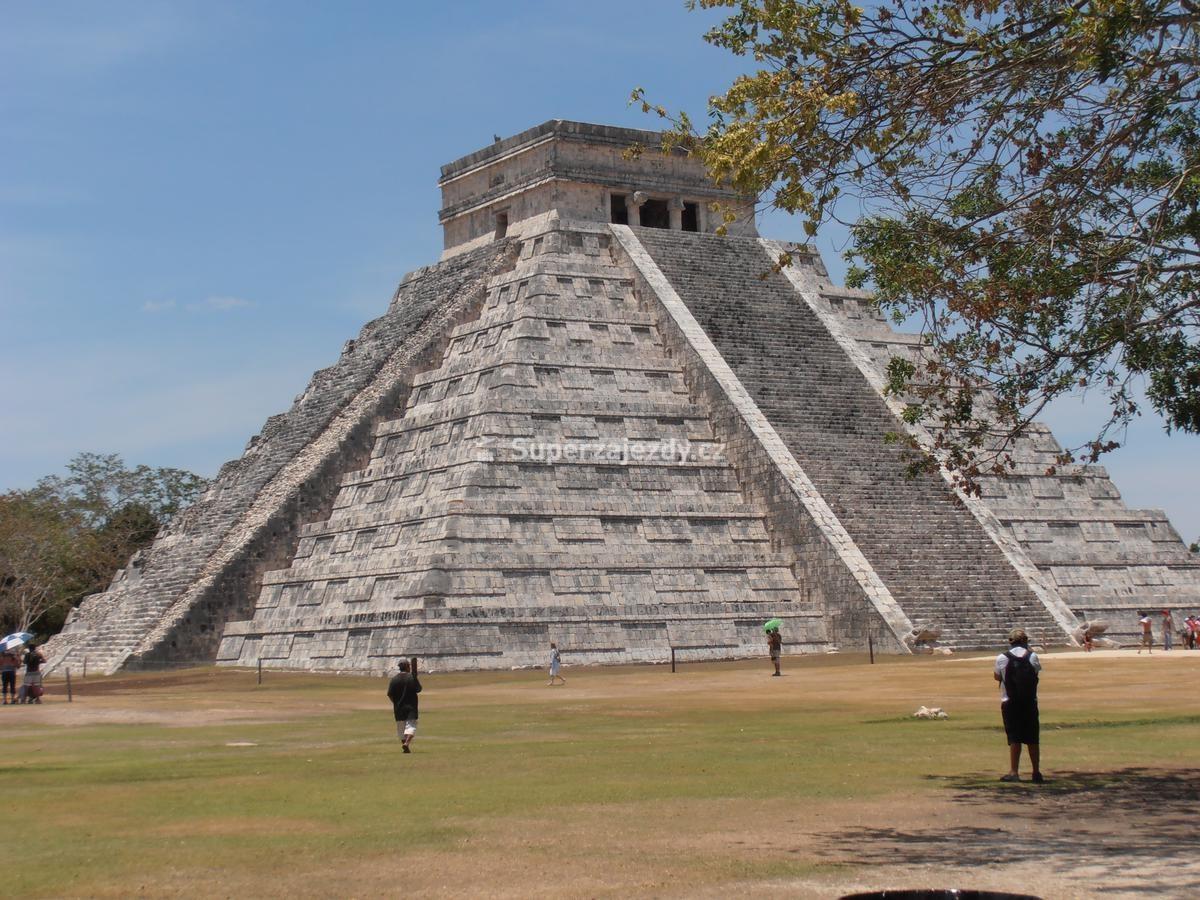 Mexiko - velká conquista de luxe Kategorie ubytování a chodbami pokrytými reliéfy, chrámů Slunce a Kříže (datované do doby 7.