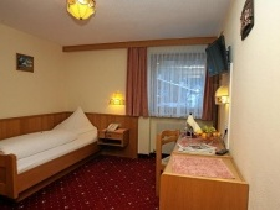 Wiese Hotel St. Leonhard