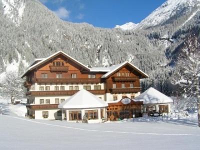 Alpenhotel Badmeister Flattach