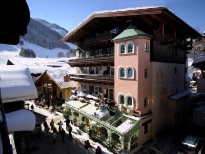 Bauer Hotel Saalbach