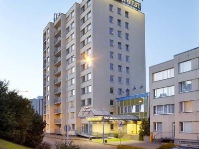 Fortuna West Hotel