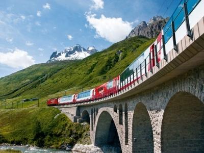 Švýcarsko a Glacier Express, vláčky a zubačky