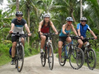 Vánoce i Silvestr na kole na Filipínách,