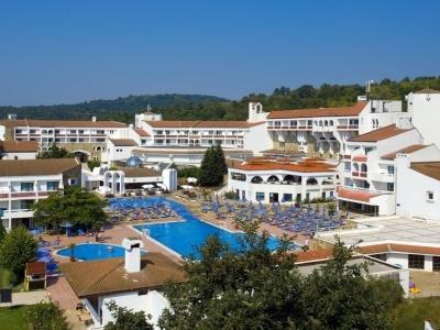 Djuni Royal Resort Pelican
