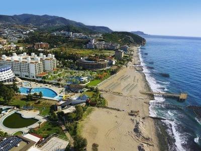 Quattro Beach Spa & Resort